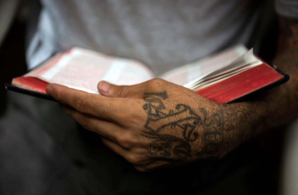 Jails Turned into Classrooms-How El  Salvador rehabilitates MS-13 and Barrio 18 gangs through the program, I Change.