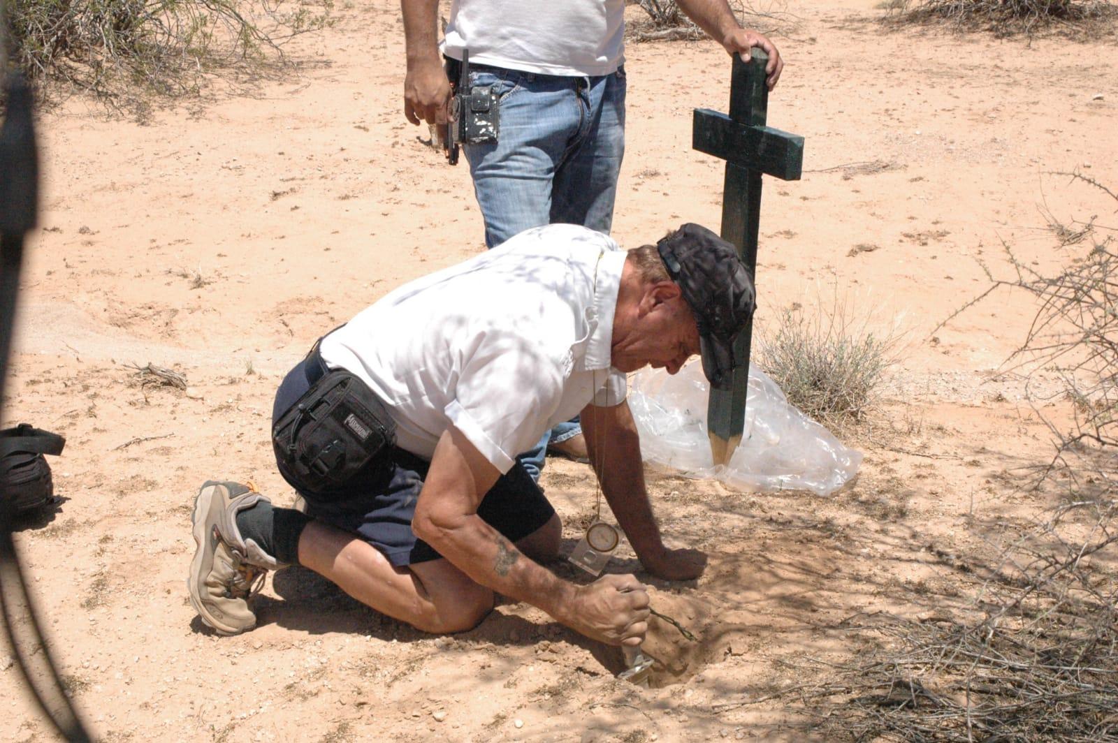 Ángeles del Desierto Offers Humanitarian Help to Migrants Lost in the Desert