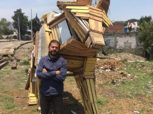Transportapueblos: Mexican Artist Libre Gutiérrez Creates Sculptures That Support Migrants